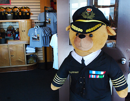 queen_mary_captain_bear.jpg